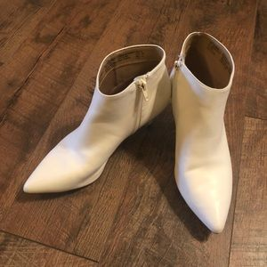 Time and Tru White Kitten Heel Booties Size 8